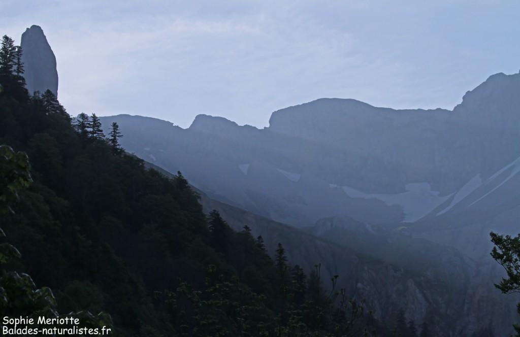 Premiers rayons de soleil dans la vallée du Buëch