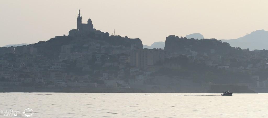 Le soleil se lève sur Marseille