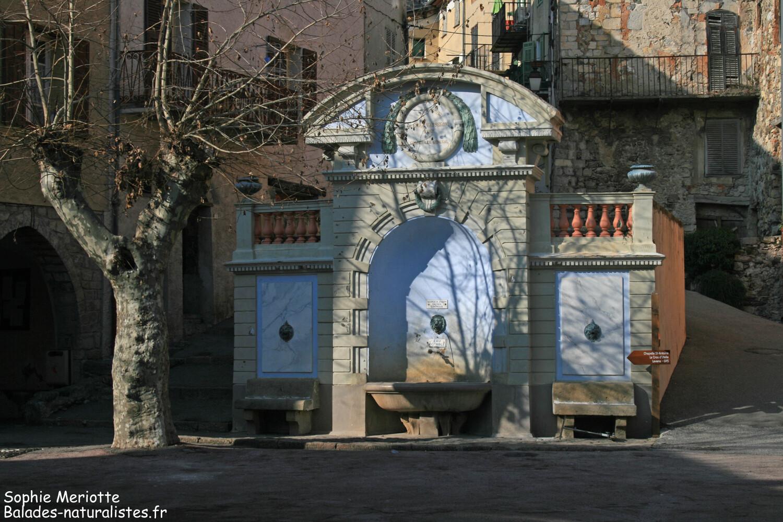 Fontaine dans le village d'Utelle